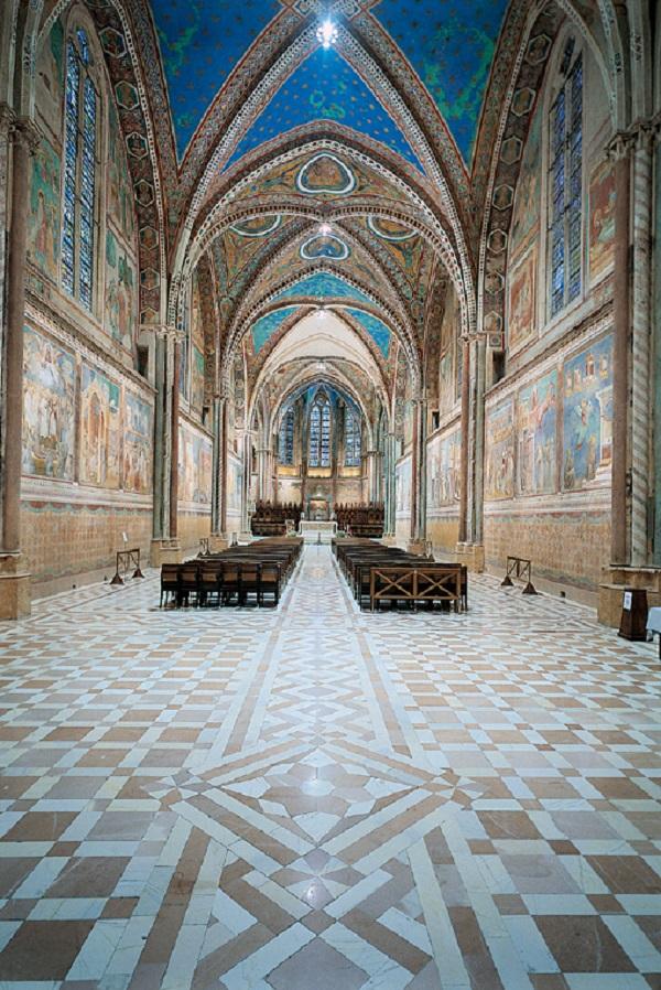 Вид верхней церкви Сан-Франческо