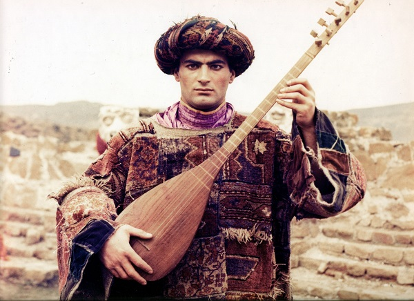 Сааз (турецкая балалайка)