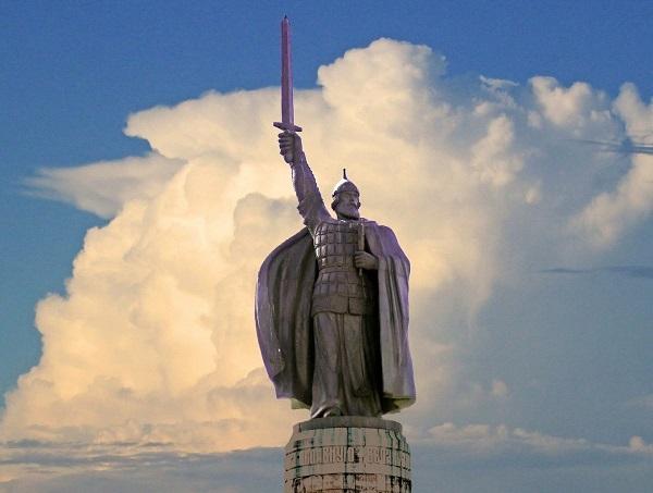Памятник Илье Муромцу в Муроме