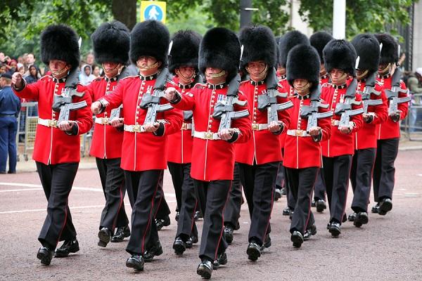 Британские Королевские гвардейцы