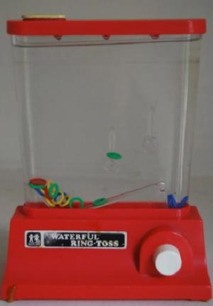 Игра с колечками в воде
