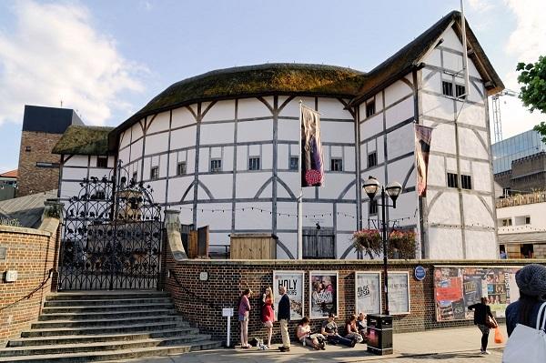 Шекспировский театр Глобус в Лондоне