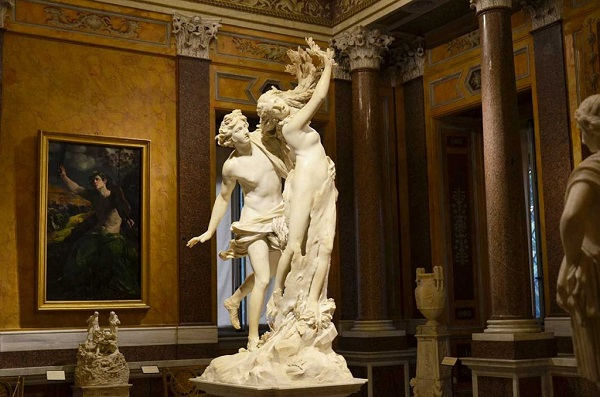 Скульптура Бернини Аполлон и Дафна