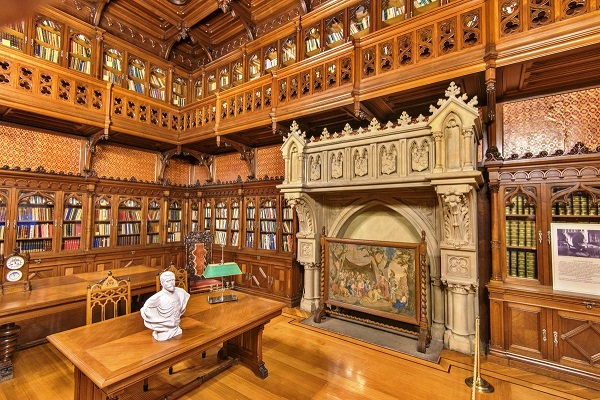 Готическая библиотека Николая II в Зимнем Дворце